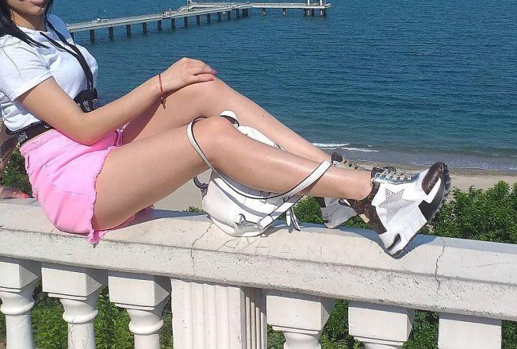 Ελληνίδα Άρτεμις Πάρε με να τα πούμε χωρίς απόκρυψη και μυνήματα - Εικόνα2