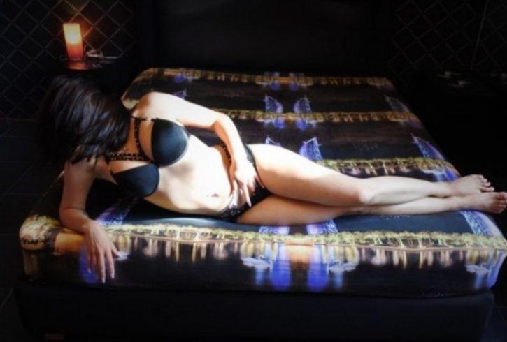 Μου αρέσουν όλα στο κρεβάτι, να γδύνομαι μπροστά σου και να με γλείφεις..................... - Εικόνα4