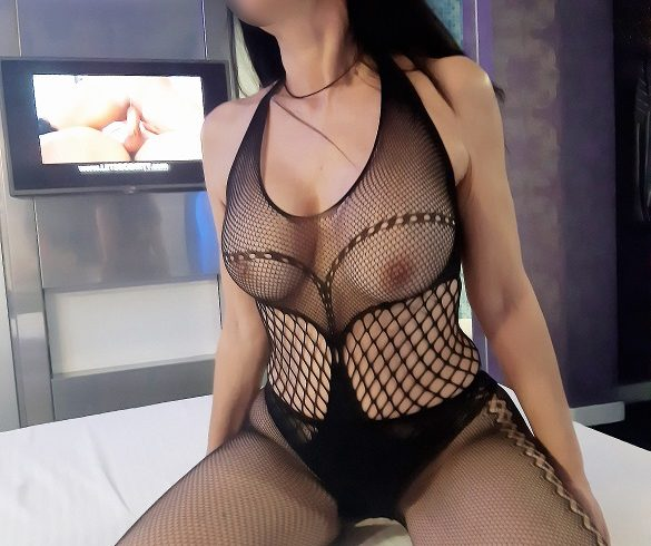 I'm beautiful with a sexy thin body, brunette and office-independent - Εικόνα9