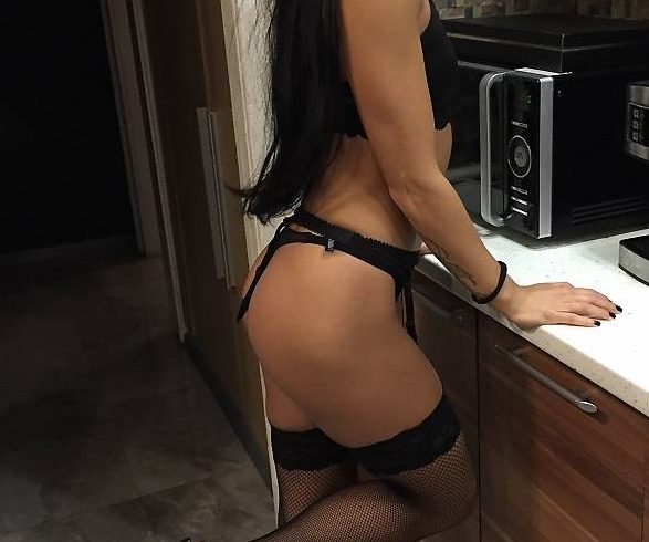 Christina in Athens ..I am a horny Greek woman and I am waiting on the phone for serious gentlemen for all the sex games. - Εικόνα2