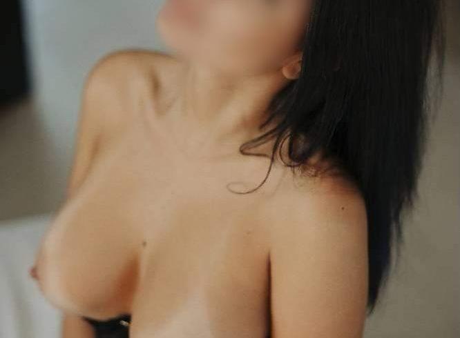 έχω σώμα με πολύ σέξι αναλογίες και πλούσιο στήθος. χωρίς γραφεία == φουλ πρόγραμμα (70€) == - Εικόνα9