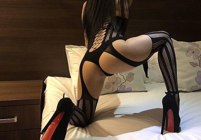 το δωράκι μου είναι 80€ Julia discreet, passionate, feminine and elegant. I am flexible and adaptable to any mood and occasion. - Εικόνα1