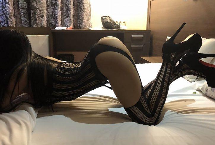 το δωράκι μου είναι 80€ Julia discreet, passionate, feminine and elegant. I am flexible and adaptable to any mood and occasion. - Εικόνα4