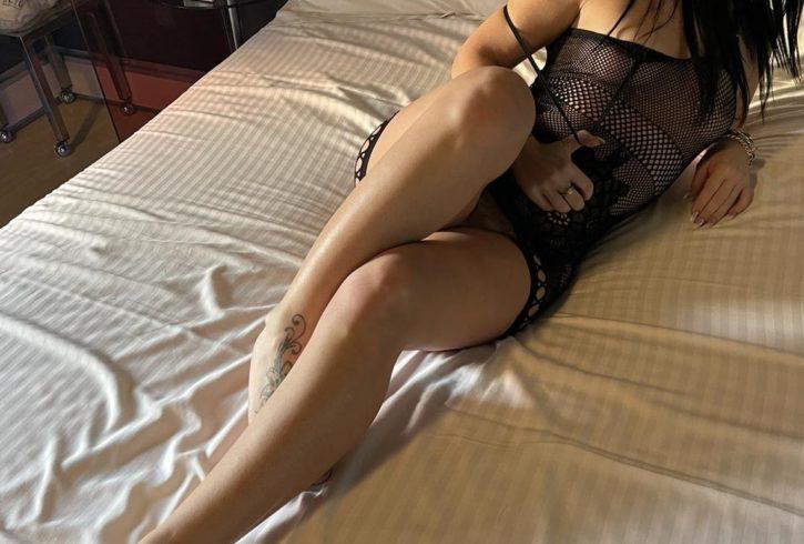 Είμαι μια καυλιάρα Ελληνίδα και περιμένω στο τηλέφωνο σοβαρούς Κυρίους για όλα τα παιχνίδια του σεξ. - Εικόνα3