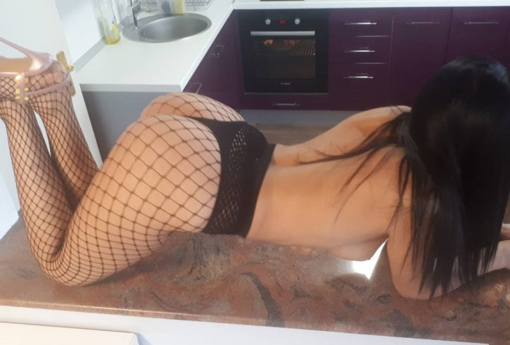 6980758968 Andriana Meet Gentle Men and horny couples at their place or in a hotel. - Εικόνα3