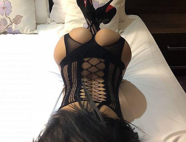 το δωράκι μου είναι 80€ Julia discreet, passionate, feminine and elegant. I am flexible and adaptable to any mood and occasion. - Εικόνα5