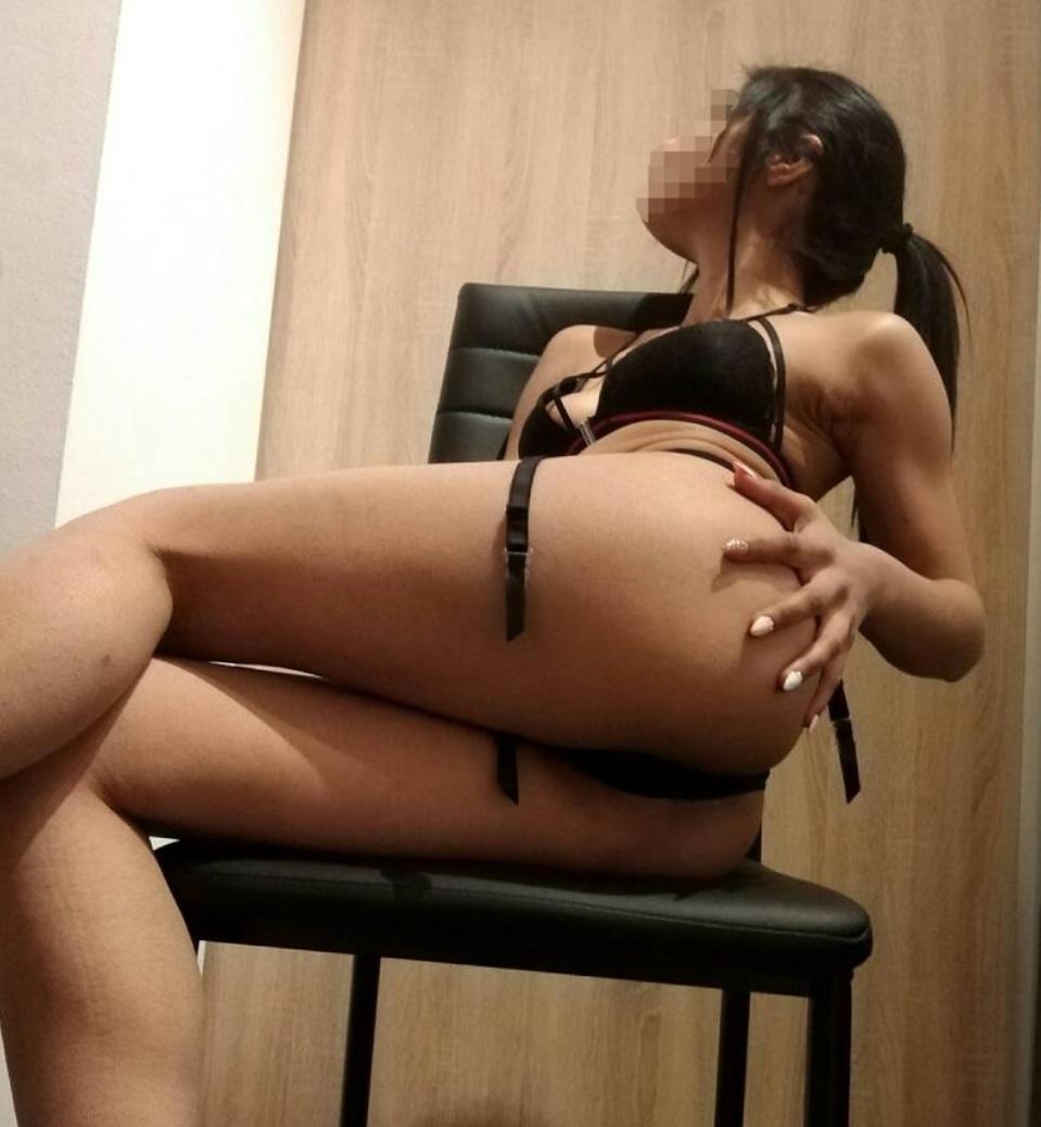 Ελληνίδα 23 ετών Παρουσία με κορμάκι μοντέλου