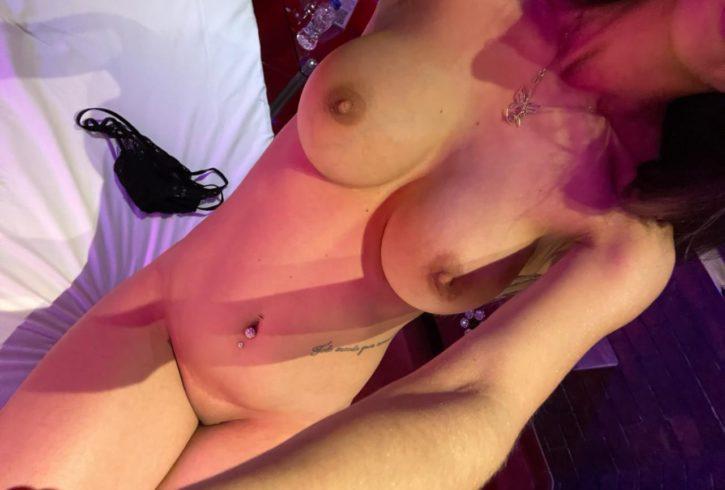 Με Αγαλματένιο Καλλίγραμμο σώμα, φυσικό στήθος, Εκρηκτικά οπίσθια και Πανέμορφο Σέξι προσωπάκι. - Εικόνα6